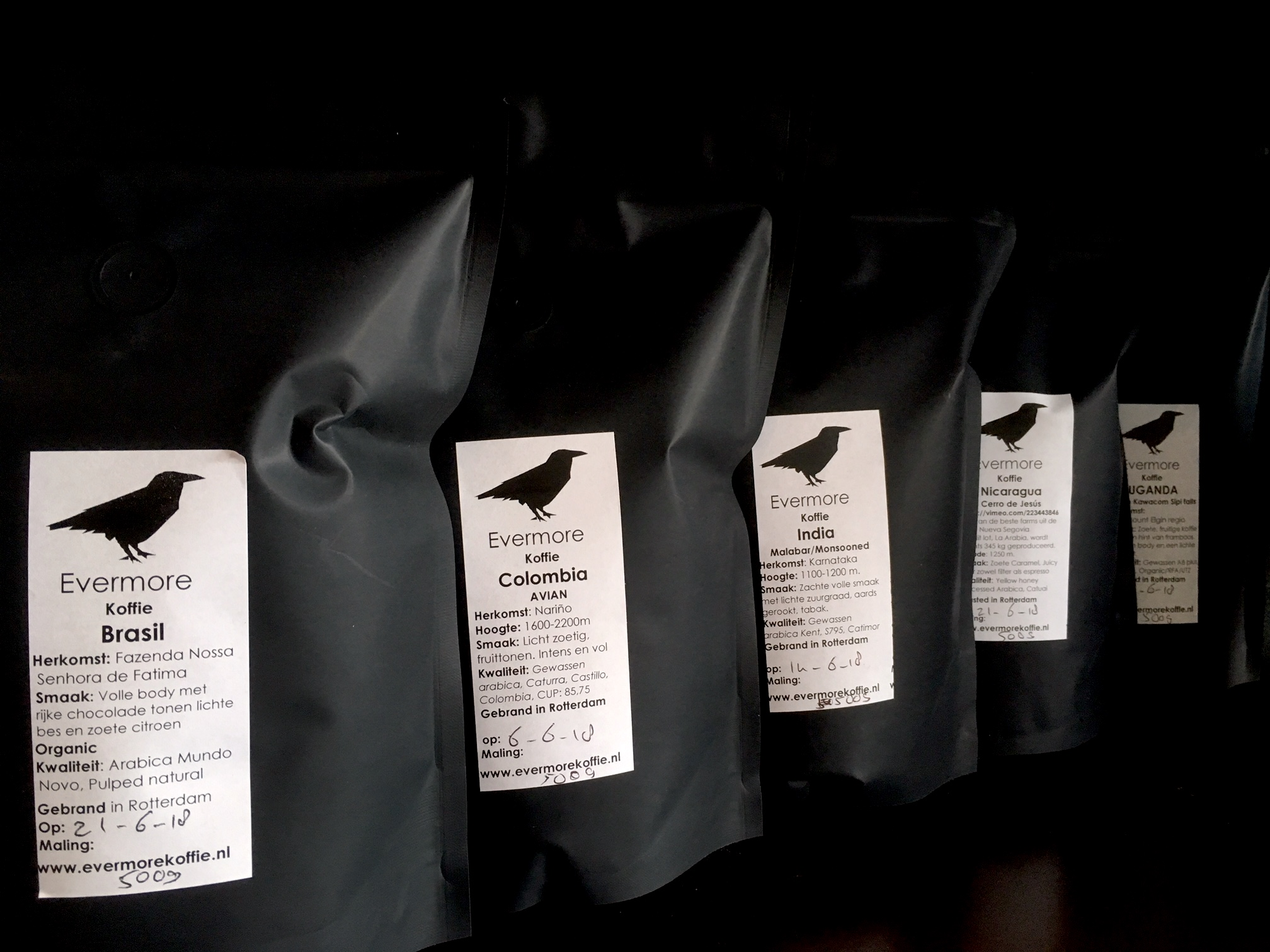 Licht Gebrande Koffiebonen : Proefpakket koffiebonen soorten online bestellen wekelijks