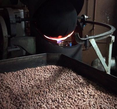 Cacaobonen branden bij Blanxart | Evermore