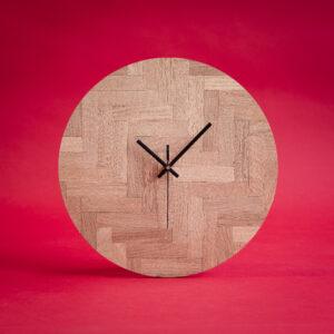 Herringbone Clock van Studio Visgraat